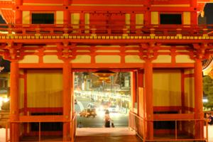 ゆったり5名 夕刻の鴨川・ナイトフォト 夜の八坂神社 散策撮影会 8月2日 京都 @ 京都市 | 京都府 | 日本